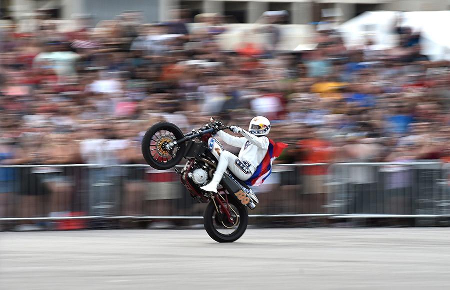 Travis Pastrana Breaks Evel Knievel Caesars Palace Jump