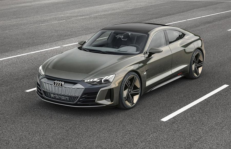 Audi Los Angeles >> Audi E Tron Gt Concept Debuts At 2018 Los Angeles Auto Show