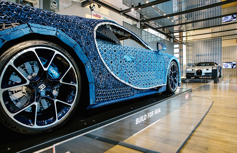 LEGO Technic Bugatti Chiron Autostadt