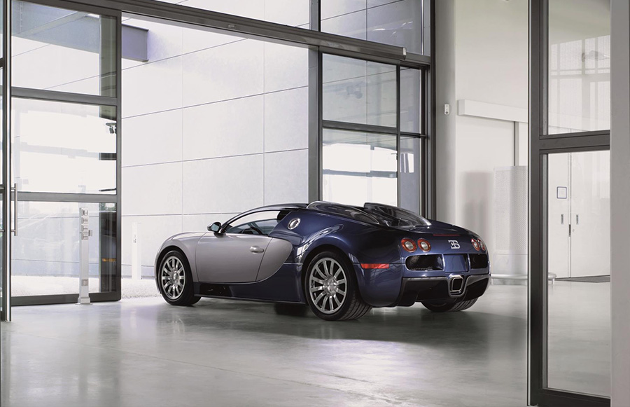 Bugatti Veyron Hyper Sports Car 2