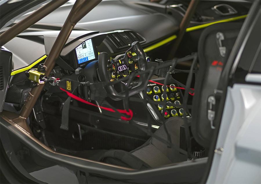 Audi R8 LMS GT2 6