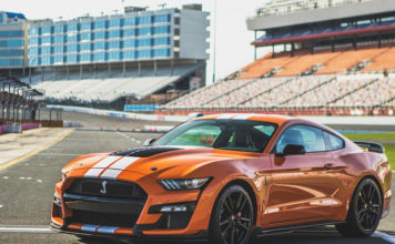 Ford GT500 Track Attack Driving Experience