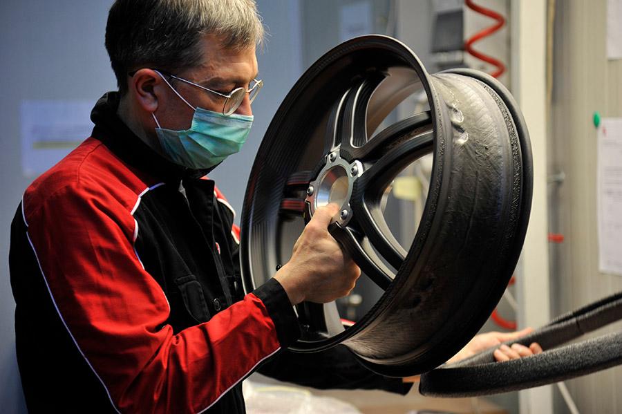 Ducati Superleggera V4 Production Begins