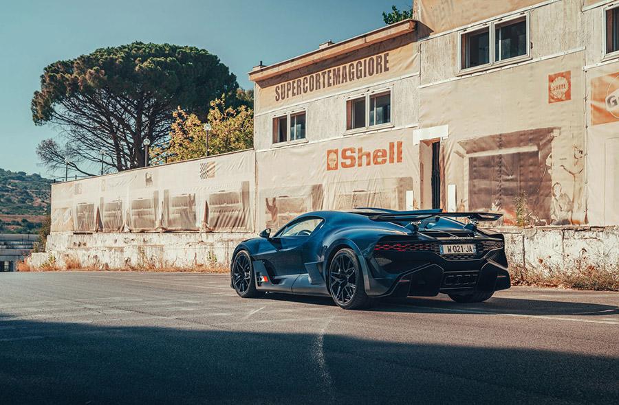Bugatti Targa Florio - Following Albert Divo's Footsteps in the Bugatti Divo