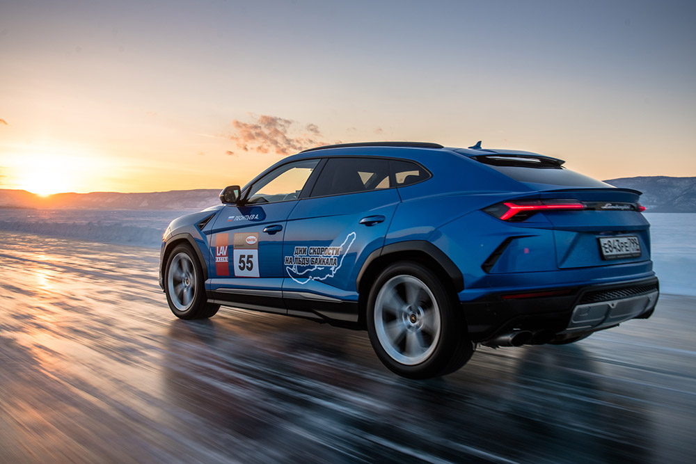 Lamborghini Urus Lake Baikal Speed Record