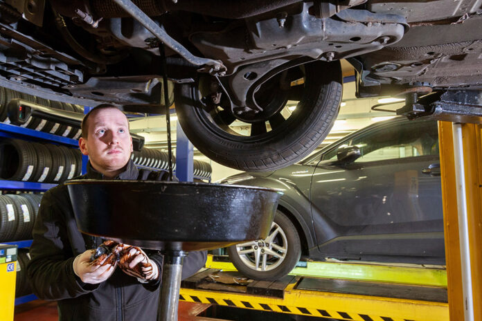 One in five UK car owners never check their oil