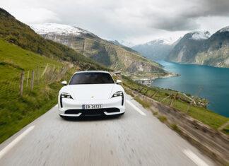 Driving a Porsche in Norway
