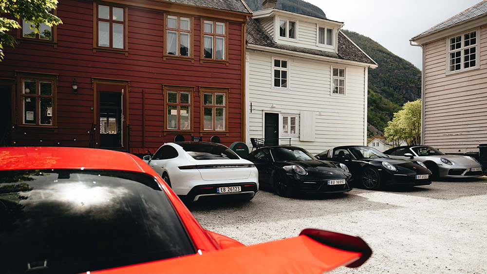 Driving a Porsche in Norway