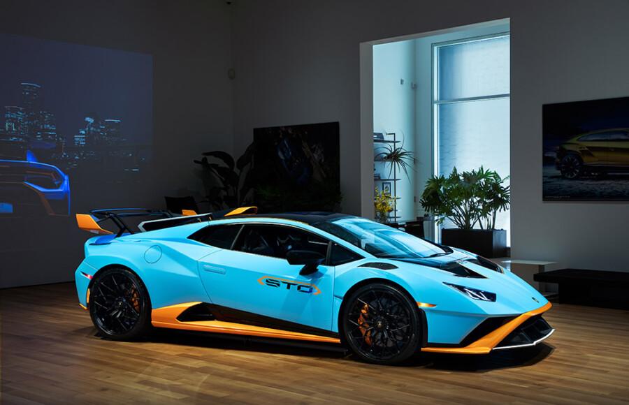 Lamborghini New York City VIP Lounge Opens
