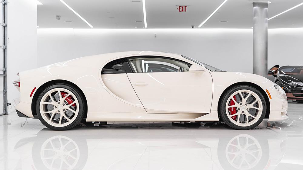 Manny Khoshbin Bugatti Chiron habillé par Hermès