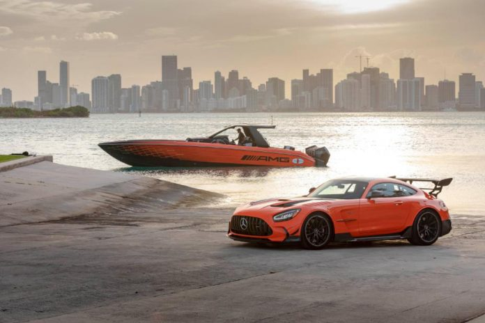 Mercedes-AMG Cigarette Racing Black Series Special Edition Boat