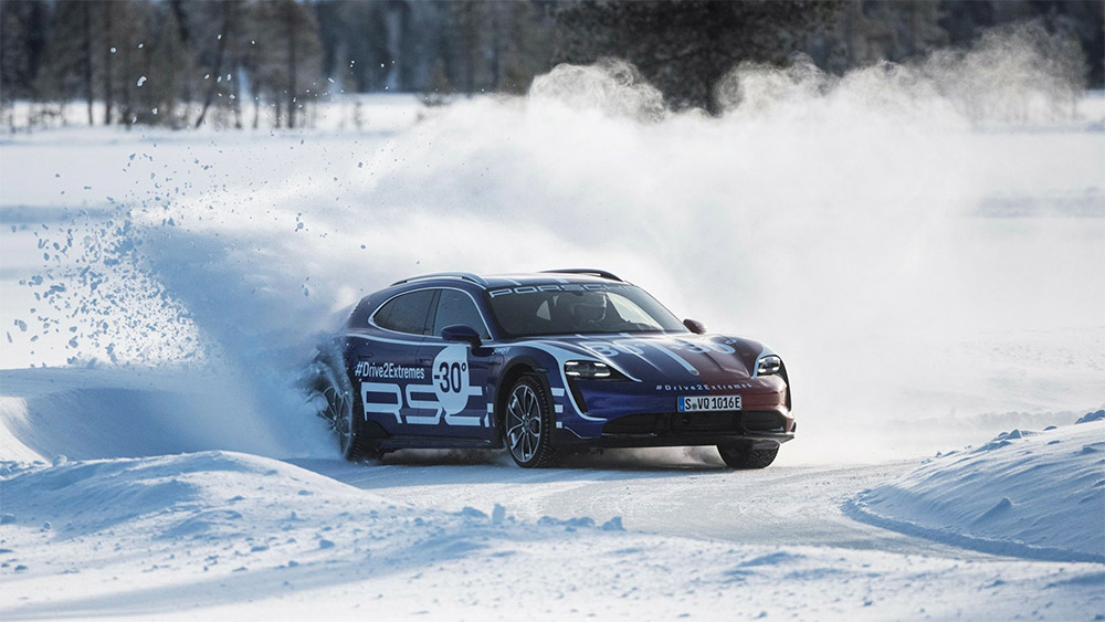 Porsche Taycan Turbo Cross Turismo Drive2Extremes Video