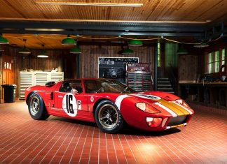 1966 Ford GT40 Alan Mann Lightweight at Gooding & Company Pebble Beach Auction
