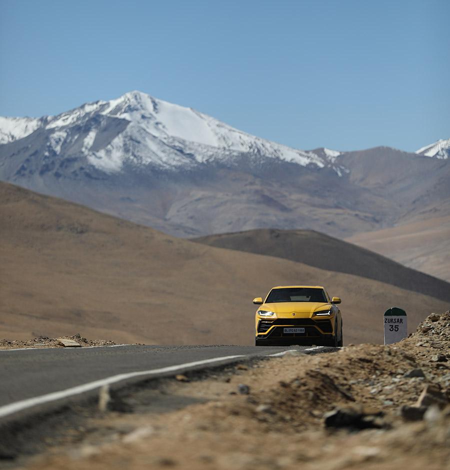 Lamborghini Urus traverses the Umling La Pass India