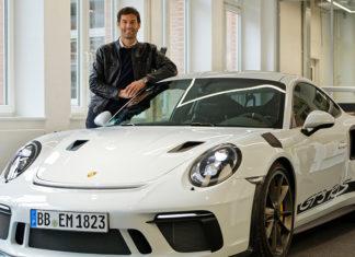 Mark Webber Tests New Porsche 911 GT3 RS