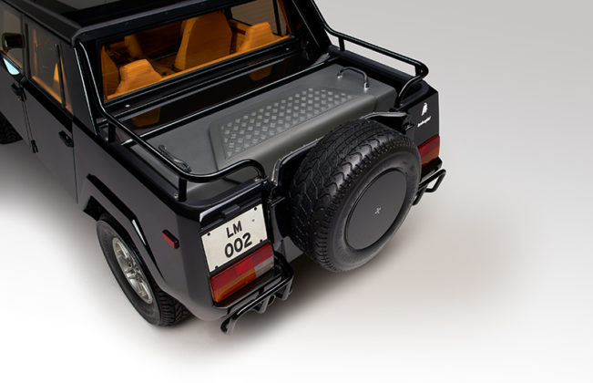 Lamborghini SUV LM002